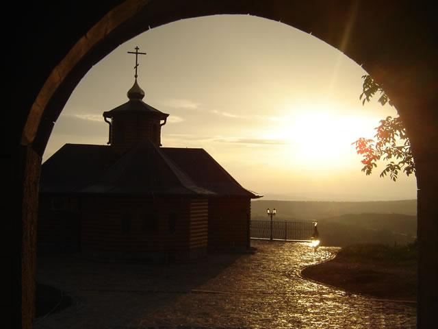 Монастырь Лешье